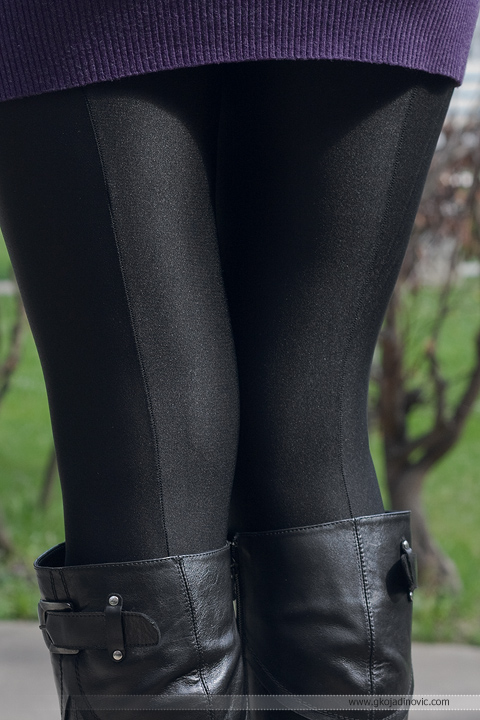 crna kožna jakna, black leather jacket, crne satenske čarape, black satin opaques, crne kožne čizme, black leather boots